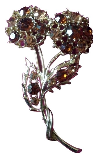 Preload https://img-static.tradesy.com/item/3788419/gold-bronze-and-amber-vintage-flower-pin-brooch-0-0-540-540.jpg