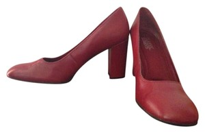 Classic Elements red Pumps