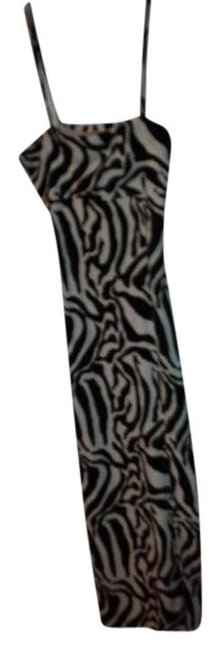 Preload https://item3.tradesy.com/images/newport-news-black-white-long-casual-maxi-dress-size-8-m-379452-0-0.jpg?width=400&height=650