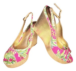 Lilly Pulitzer Green and pink print with gold wedge Wedges