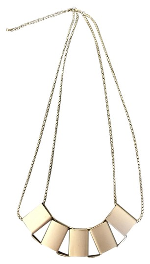 Preload https://item2.tradesy.com/images/gold-tone-statement-necklace-3795346-0-0.jpg?width=440&height=440