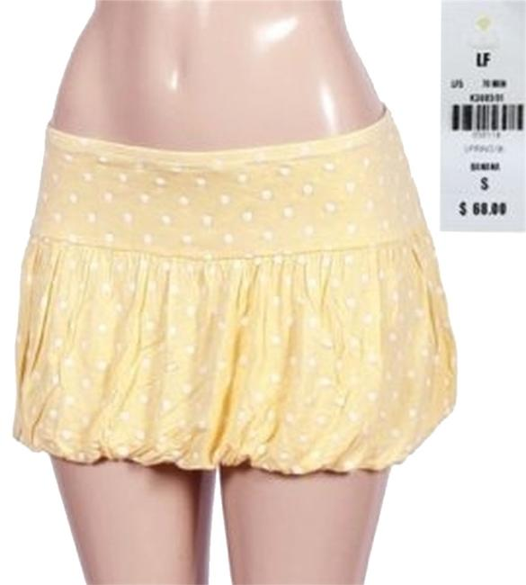 Preload https://img-static.tradesy.com/item/3795802/yellow-white-polka-dot-balloon-hem-miniskirt-size-6-s-28-0-0-650-650.jpg