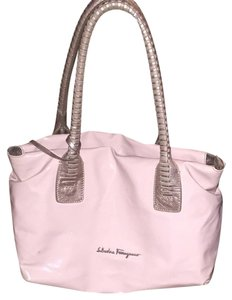 Salvatore Ferragamo Satchel in Pink