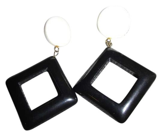 Preload https://item2.tradesy.com/images/black-and-white-vintage-earrings-380106-0-0.jpg?width=440&height=440