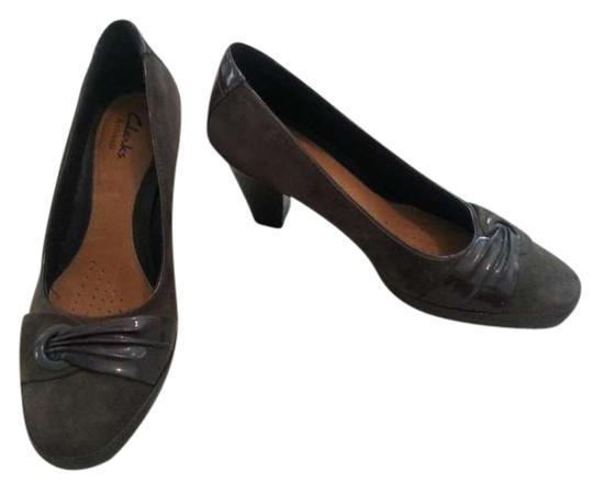 Clarks Suede Patent Leather Comfortable gray Pumps