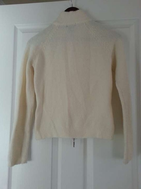 VENUS Cream Zip Sweater
