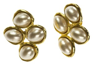 Chanel Chanel Vintage pearl Earrings