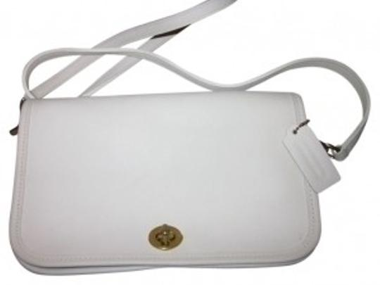 Preload https://item2.tradesy.com/images/coach-classic-stoneoff-white-leather-cross-body-bag-38051-0-0.jpg?width=440&height=440