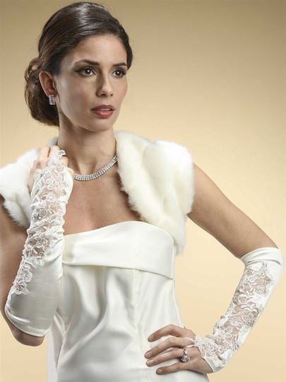 Mariell White Satin and Lace Gauntlet Fingerless Gl092-w Gloves