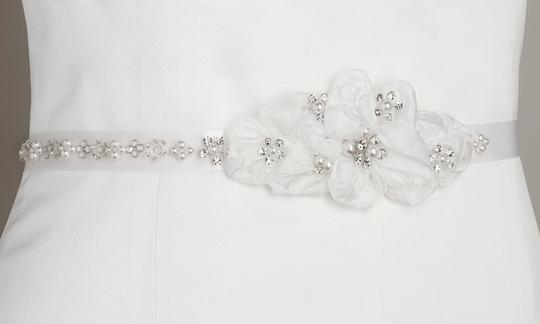 Preload https://img-static.tradesy.com/item/3807130/mariell-white-pearl-and-crystal-flower-cluster-3388bt-w-sash-0-0-540-540.jpg