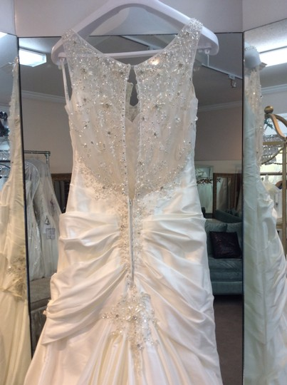 Sophia Tolli Ivory Taffeta Beads Y21372 Lilac Formal Wedding Dress Size 8 (M)