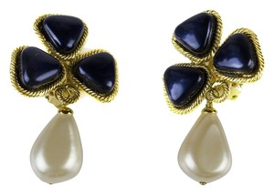 Chanel Chanel Vintage Season 28 Pearlized Earrings