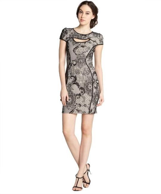 Item - Black & Nude Cap Sleeve Printed Lace Above Knee Cocktail Dress Size 6 (S)