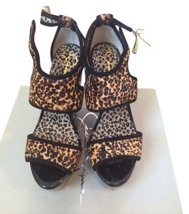 Jessica Simpson Tan/Black Wedges