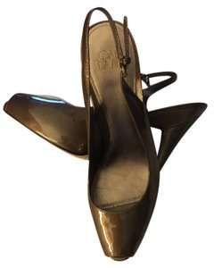 Joan & David Bronze/Dark Gold Pumps