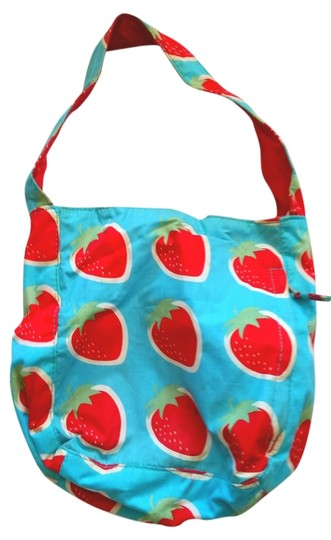 Preload https://item4.tradesy.com/images/vintage-strawberry-print-cotton-tote-3815623-0-0.jpg?width=440&height=440