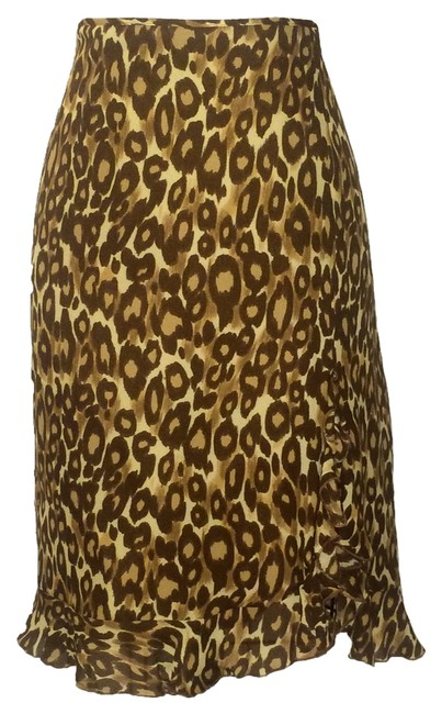 Preload https://item1.tradesy.com/images/moschino-leopard-print-knee-length-skirt-size-10-m-31-3815770-0-0.jpg?width=400&height=650