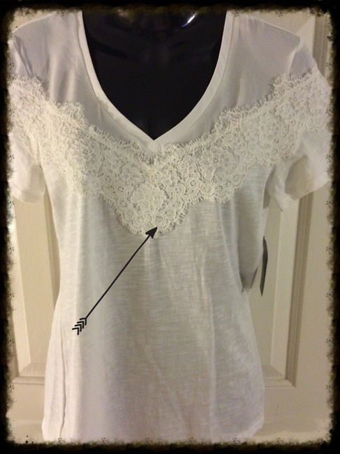 a.n.a. a new approach Lace Detail Short Sleeve V Neck Cotton Blend Size Small T Shirt white