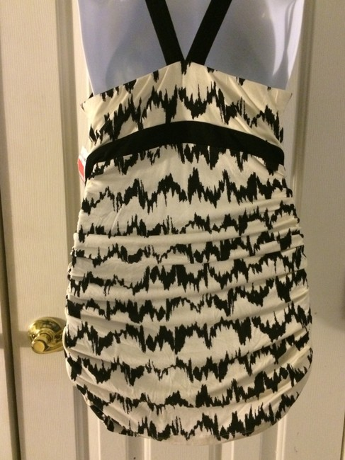 Tart Print Cream And Black Rayon Blend Backout Size Small Keyhole Opening cream/black Halter Top