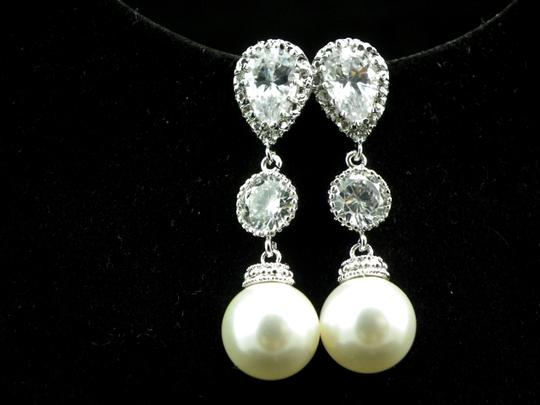 White Pearl Earrings Necklace Bridesmaid Gift Rhodium Plated Cubic Zirconia Sterling Silver Posts Pearls Jewelry Set