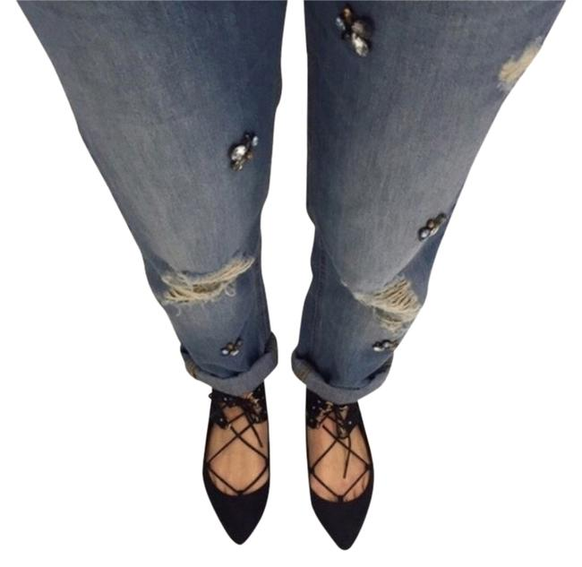 Preload https://img-static.tradesy.com/item/3819313/zara-light-wash-bnwt-embellished-distressed-relaxed-fit-jeans-size-27-4-s-0-0-650-650.jpg