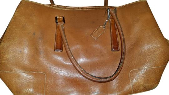 Coach Vintage Old Leather Tote in TAN
