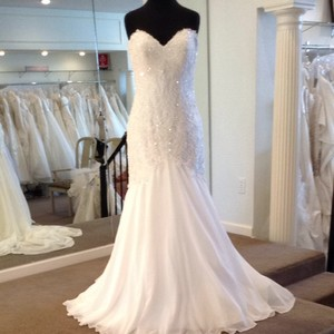 Maggie Sottero Ivory Lace with Chiffon Wedding Dress Size 8 (M)