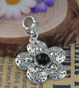 Tibet Silver Black Stone Flower Antiqued Necklace Free Shipping