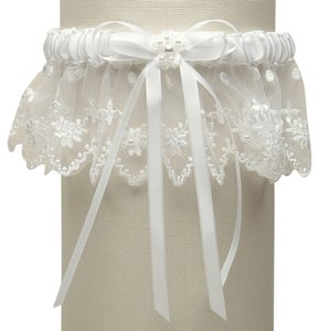 Mariell Vintage Irish Lace Inspired Wedding Garter - White G029-W-W