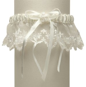 Mariell Vintage Irish Lace Inspired Wedding Garter - Ivory G029-I-I
