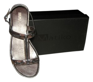 Matiko Chain Leather Pewter Metallic Sandals