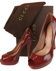 Gucci Burgundy Pumps