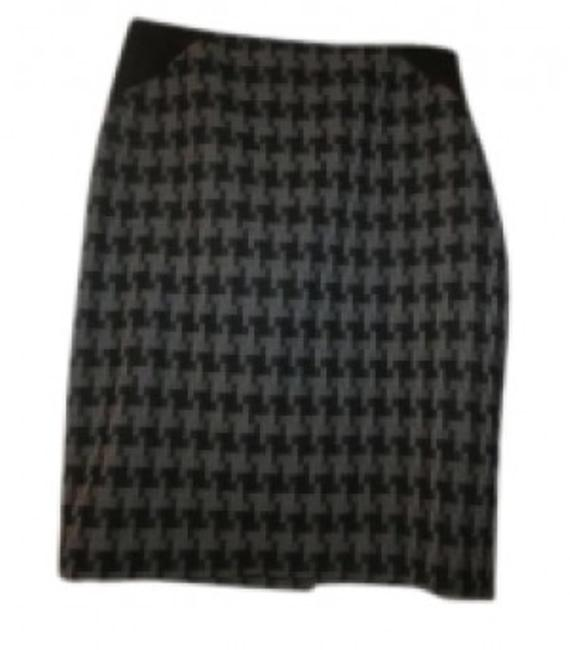 Preload https://item1.tradesy.com/images/the-limited-grey-black-gray-houndstooth-pencil-knee-length-skirt-size-4-s-27-38250-0-0.jpg?width=400&height=650