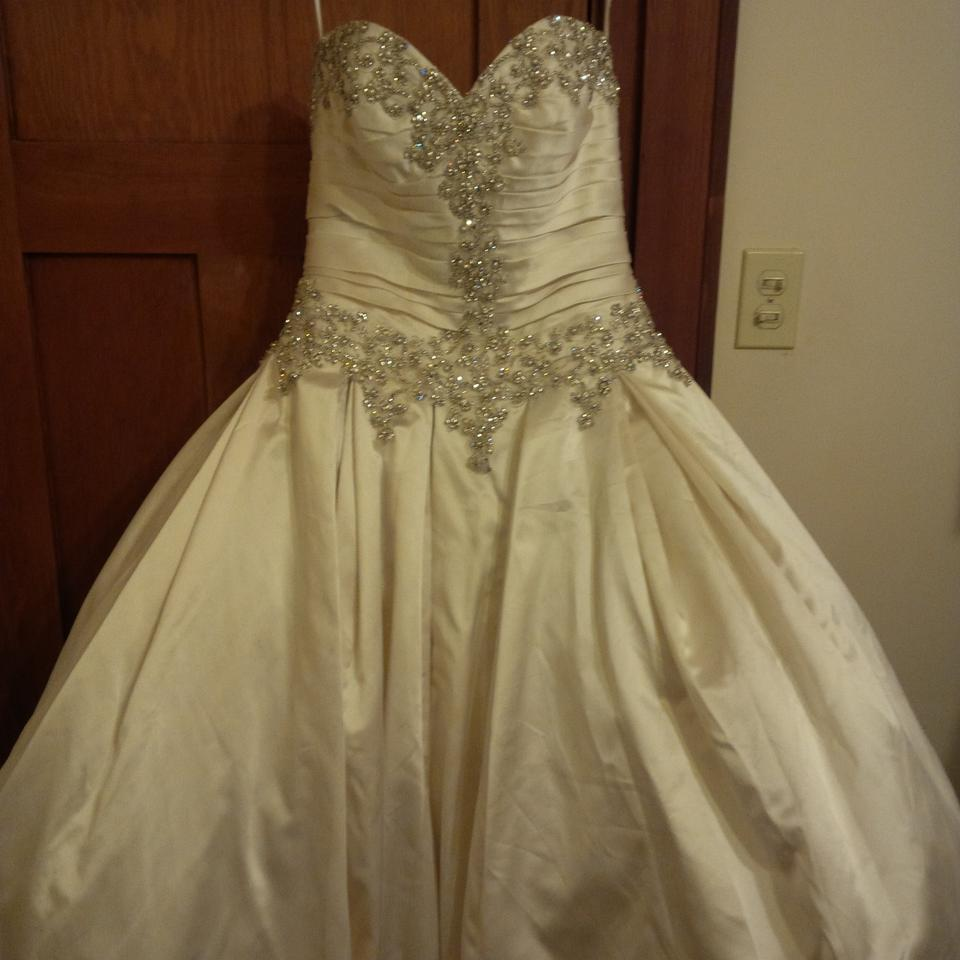 365b573854e8 Allure Bridals Ivory Satin 9003 Traditional Wedding Dress Size 10 (M) ...