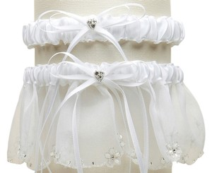 Mariell Bridal Garter Set with Inlaid Crystal Hearts - White 454G-W-W