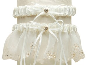 Mariell Bridal Garter Set with Inlaid Crystal Hearts - Ivory 454G-I-I