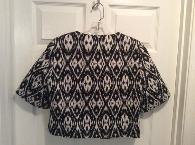 Vince Camuto Top Black & White jacket