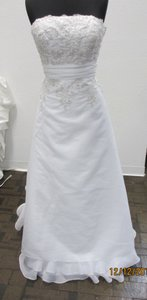 Carrafina White 3670 (100l) Formal Wedding Dress Size 14 (L)