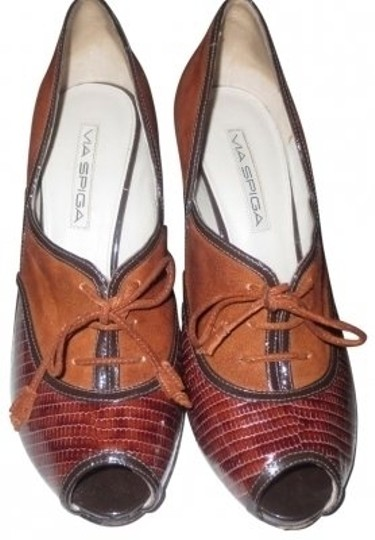Preload https://item5.tradesy.com/images/via-spiga-brown-oxford-laced-suede-snake-peep-pumps-size-us-75-regular-m-b-38279-0-0.jpg?width=440&height=440