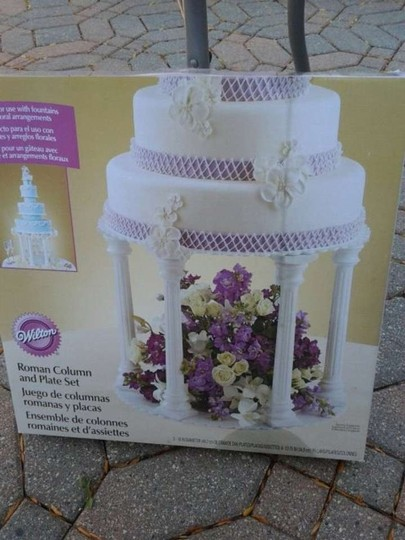 Preload https://item1.tradesy.com/images/white-roman-column-cake-stand-382895-0-0.jpg?width=440&height=440
