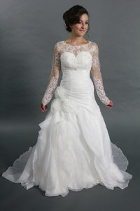 Handmade Sweetheart Organza White Wedding Dress With Long Sleeves Detachable Lace Bolero Wedding Dress
