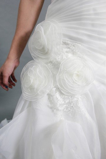 White Organza Lace Satin Handmade Sweetheart with Long Sleeves Detachable Modern Wedding Dress Size 4 (S)