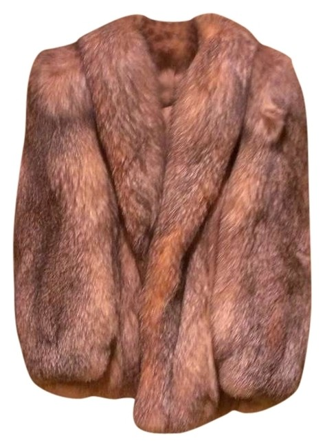 Preload https://img-static.tradesy.com/item/382988/fox-fur-coat-size-10-m-0-0-650-650.jpg