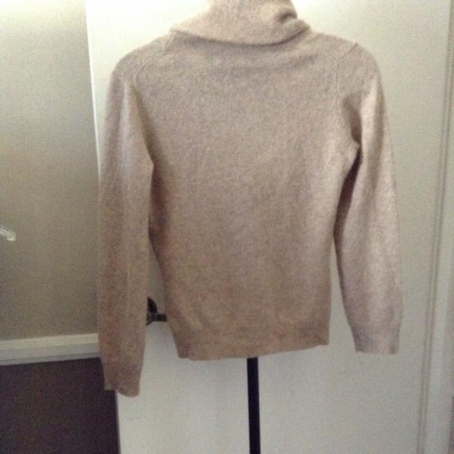 Preload https://item4.tradesy.com/images/peck-and-peck-tan-sweaterpullover-size-6-s-382998-0-0.jpg?width=400&height=650