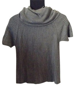 H&M T Shirt Gray