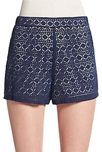 Saks Fifth Avenue Vacation Cruise Wear Island Shorts