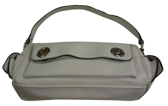 Preload https://item2.tradesy.com/images/marc-jacobs-white-leather-clutch-3830401-0-0.jpg?width=440&height=440