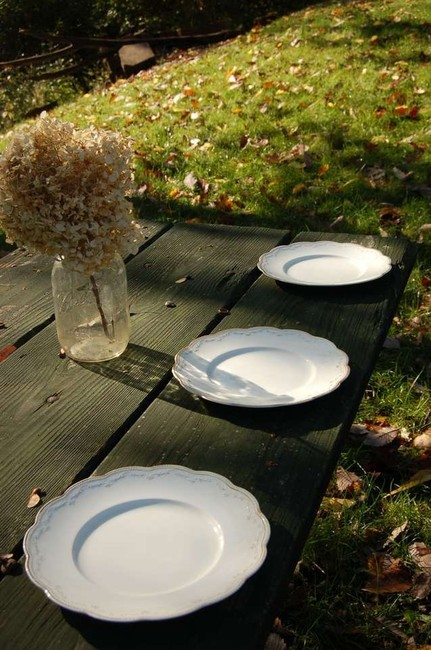 Item - Wh Crindley & Co Plates Tableware
