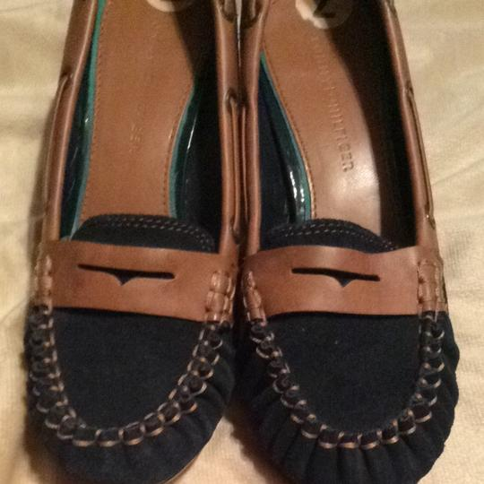 Tommy Hilfiger Navy Suede And Tan Leather Pumps