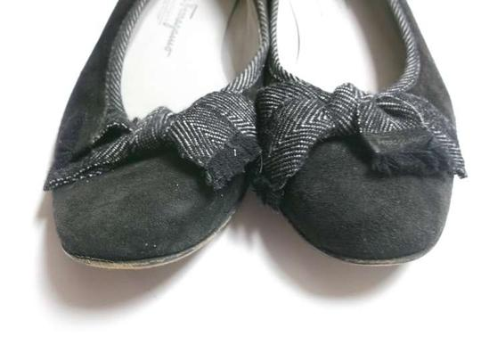 Salvatore Ferragamo 7 1/2 Closed Black Flats